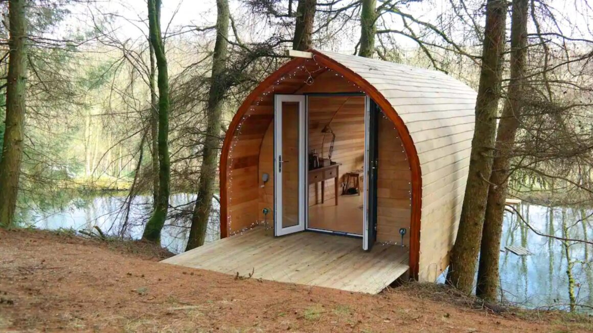 tree cabin uk