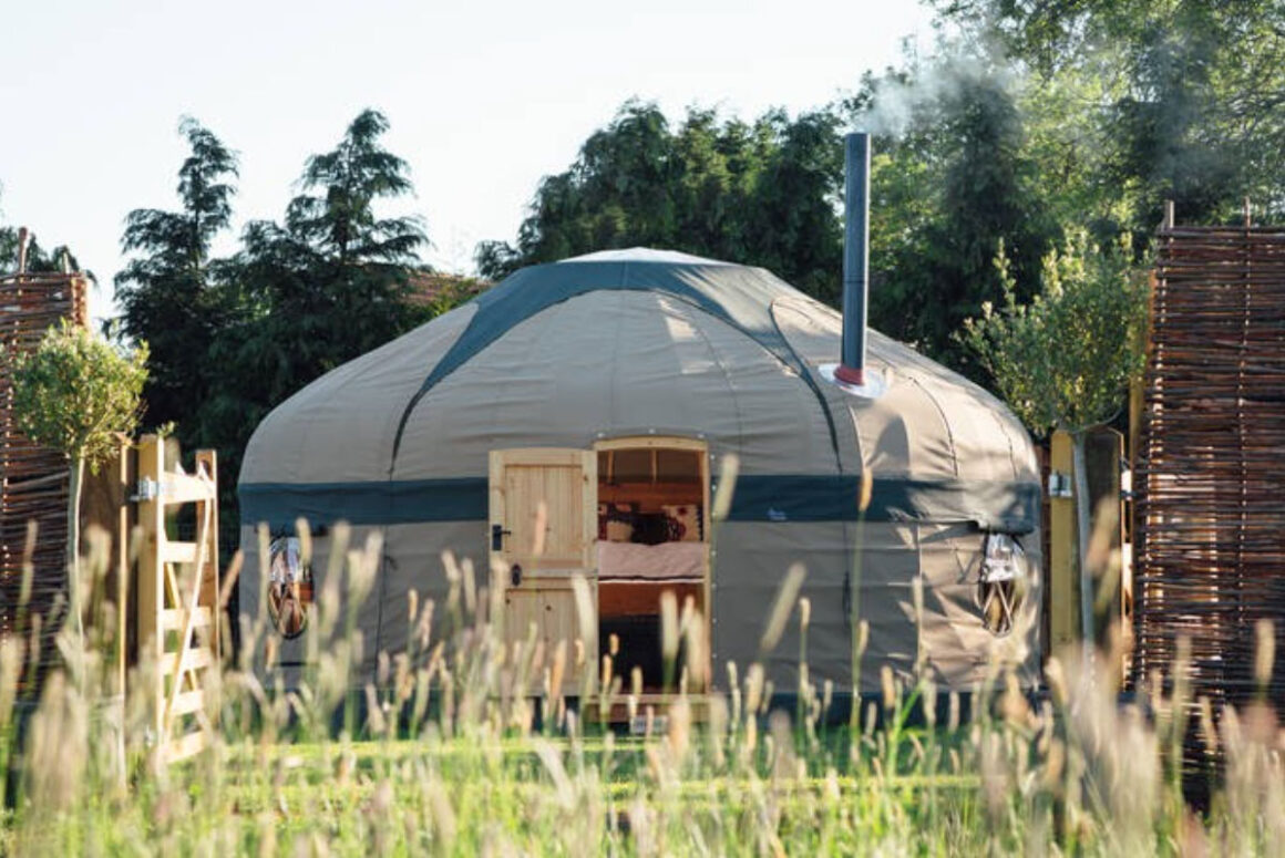 little oak yurt
