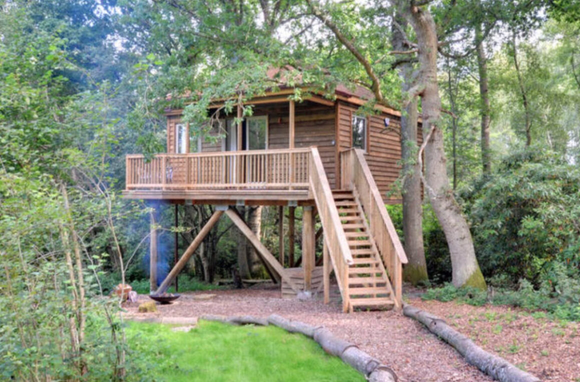 tinkers treehouse sussex